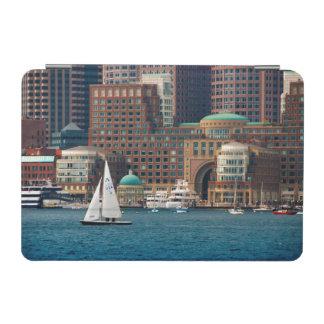 米国、マサチューセッツ。 ボストン水辺地帯のスカイライン2 iPad MINIカバー