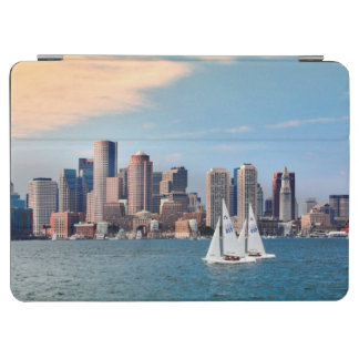米国、マサチューセッツ。 ボストン水辺地帯のスカイライン3 iPad AIR カバー