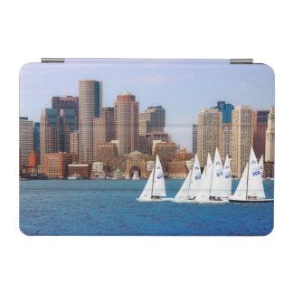 米国、マサチューセッツ。 ボストン水辺地帯のスカイライン4 iPad MINIカバー