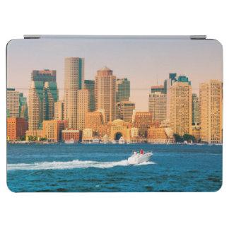 米国、マサチューセッツ。 ボストン水辺地帯のパノラマ iPad AIR カバー
