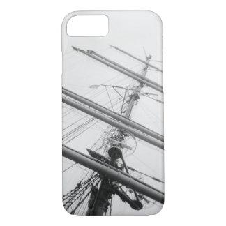 米国、マサチューセッツ、ボストン。 高い船のマスト iPhone 8/7ケース