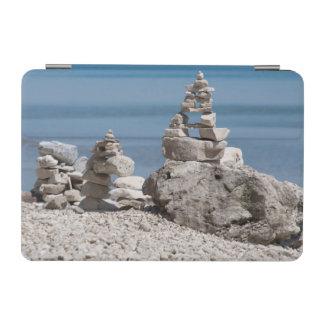 米国、ミシガン州。 ビーチの石造りタワー iPad MINIカバー