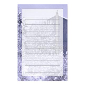 米国、ミシガン州、ロチェスターの丘。 Snowyの青 便箋