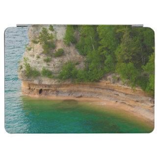 米国、ミシガン州。 抗夫のCastle Rockの形成 iPad Air カバー