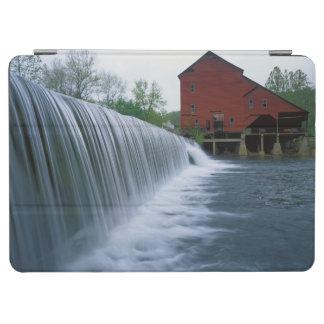 米国、ミズーリ、Ozark郡のRockbridgeの製造所 iPad Air カバー