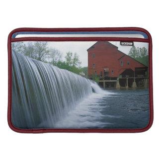 米国、ミズーリ、Ozark郡のRockbridgeの製造所 MacBook スリーブ