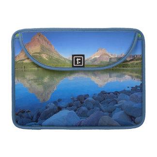 米国、モンタナのグレーシャー国立公園4 MacBook PROスリーブ