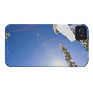 米国、モンタナの白い魚、若者のスノーボード Case-Mate iPhone 4 ケース