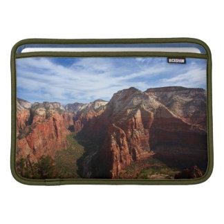 米国、ユタのザイオン国立公園 MacBook スリーブ