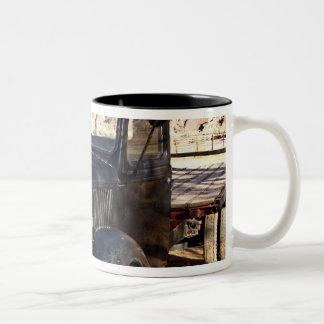 米国、ユタの景色国会議事堂礁の国立公園 ツートーンマグカップ