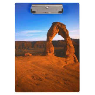 米国、ユタは、国立公園、敏感なアーチをアーチ形にします クリップボード