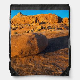 米国、ユタ、モアブの砂岩 ナップサック