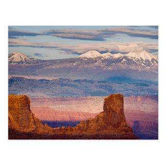 米国、ユタ。 死者からのLaのサラソウジュ山の景色 ポストカード
