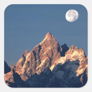米国、ワイオミング、壮大なTeton NP。 満月セット スクエアシール