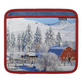 米国、ワシントン州のMethowの谷、納屋 iPadスリーブ