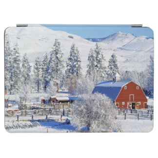 米国、ワシントン州のMethowの谷、納屋 iPad Air カバー