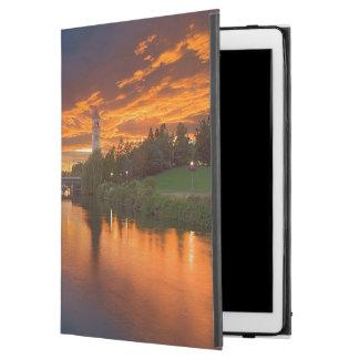 """米国、ワシントン州、スポケーンの河岸地域公園 iPad PRO 12.9"""" ケース"""