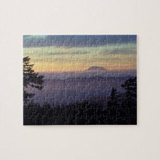 米国、ワシントン州。 見通されるMount Saint Helens ジグソーパズル