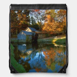 米国、ヴァージニアのリッジの青いパークウェイ、Mabryの製造所 ナップサック