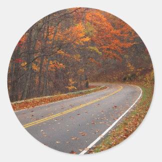 米国、ヴァージニアのShenandoahの国立公園、スカイライン ラウンドシール