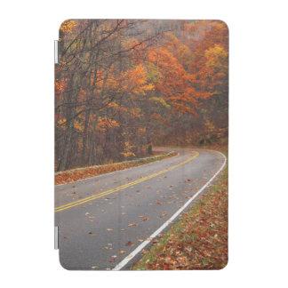 米国、ヴァージニアのShenandoahの国立公園、スカイライン iPad Miniカバー