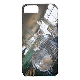 米国、金褐色のインディアナ: のコード、Duesenberg金褐色 iPhone 8/7ケース
