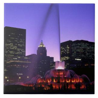 米国、IL、シカゴ。 グラントのBuckinghamの噴水 タイル