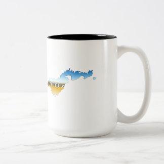 米領サモアによっては地平線が家へ帰ります ツートーンマグカップ