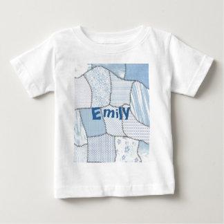 粋でかわいいヴィンテージのエレガントで多彩なパッチワーク ベビーTシャツ