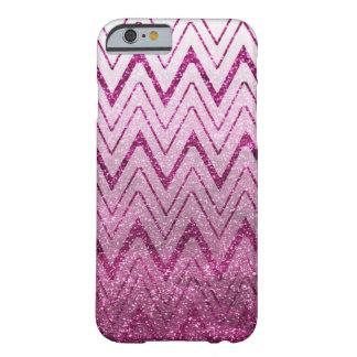 粋できらびやかな紫色のシェブロン BARELY THERE iPhone 6 ケース