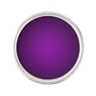 粋で紫色黒い粒状のヴィグネット ラペルピン