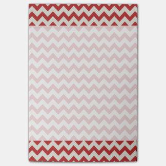 粋で赤いジグザグ形のシェブロンパターン ポストイット