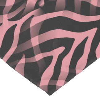 粋ないちごのピンクのシマウマのストライプのプリント ミディアムテーブルランナー