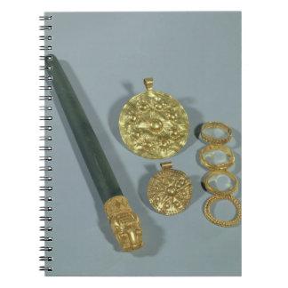 粒状にされていた装飾、Suが付いているWhetstoneそしてリングや輪 ノートブック