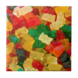 粘着性くまの虹によって着色されるキャンデー タイル