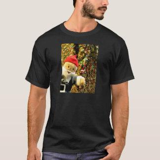 粘着性Gus Tシャツ