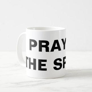 """""""精神で""""のクラシックなマグ祈って下さい コーヒーマグカップ"""