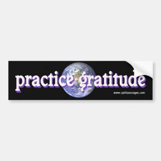 精神は練習の感謝のステッカーを通過します バンパーステッカー