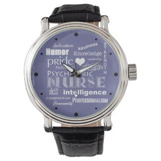 精神医学のナースのプライド属性か白いハート 腕時計