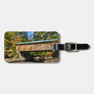 紅葉が付いているモントゴメリーの屋根付橋 ラゲッジタグ
