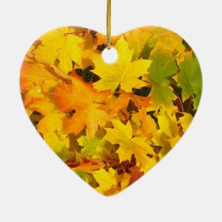 紅葉の秋色の葉のデザイン セラミックオーナメント