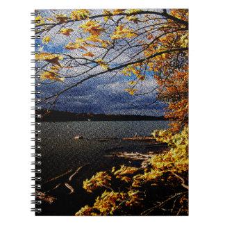 紅葉、水による突出の木 ノートブック