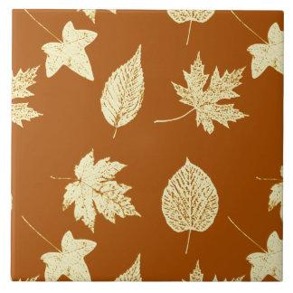 紅葉-錆の茶色およびクリーム タイル