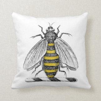 紋章CプレッピーなHeraldicヴィンテージの蜂の紋章付き外衣 クッション