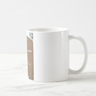 納屋の冬の雪 コーヒーマグカップ