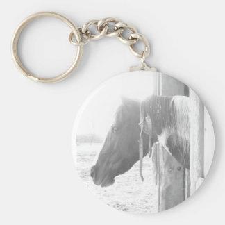 納屋の馬か白黒写真撮影 キーホルダー