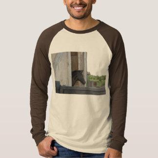 納屋の馬 Tシャツ