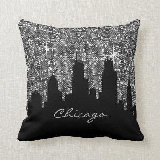 紙吹雪のグリッターのシカゴの黒く、銀製のスカイライン クッション