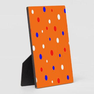 紙吹雪を持つプラクのオレンジ フォトプラーク
