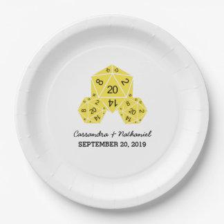 紙皿を結婚する黄色いD20サイコロ ペーパープレート
